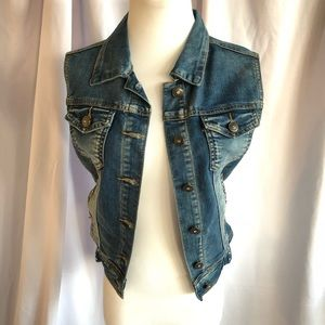 Denim vest w rhinestone embellishments and buttons